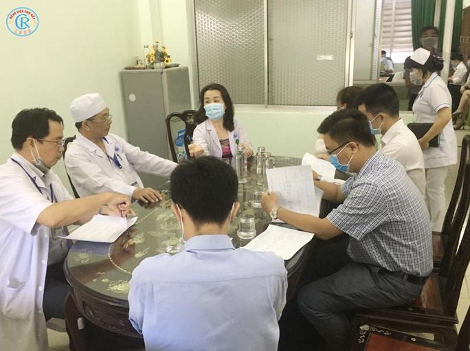 Bệnh viện Chợ Rẫy lên đường trong đêm, chi viện cho Bình Thuận - Ảnh 5.