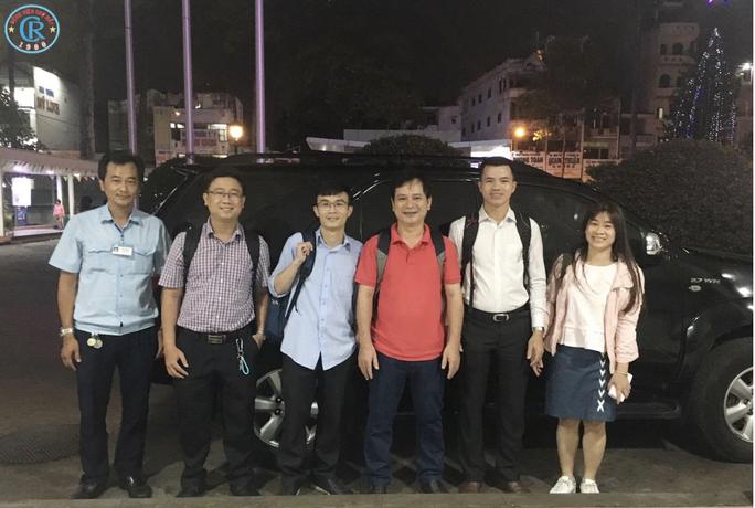 Bệnh viện Chợ Rẫy lên đường trong đêm, chi viện cho Bình Thuận - Ảnh 2.
