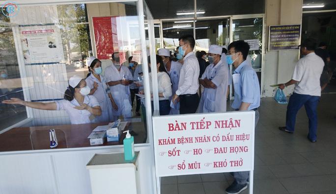 Bệnh viện Chợ Rẫy lên đường trong đêm, chi viện cho Bình Thuận - Ảnh 3.