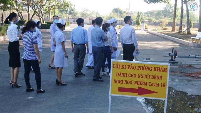 Bệnh viện Chợ Rẫy lên đường trong đêm, chi viện cho Bình Thuận - Ảnh 4.