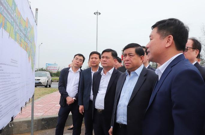 24 lãnh đạo, cán bộ Nghệ An tiếp xúc gần Bộ trưởng Nguyễn Chí Dũng không còn cách ly - Ảnh 2.