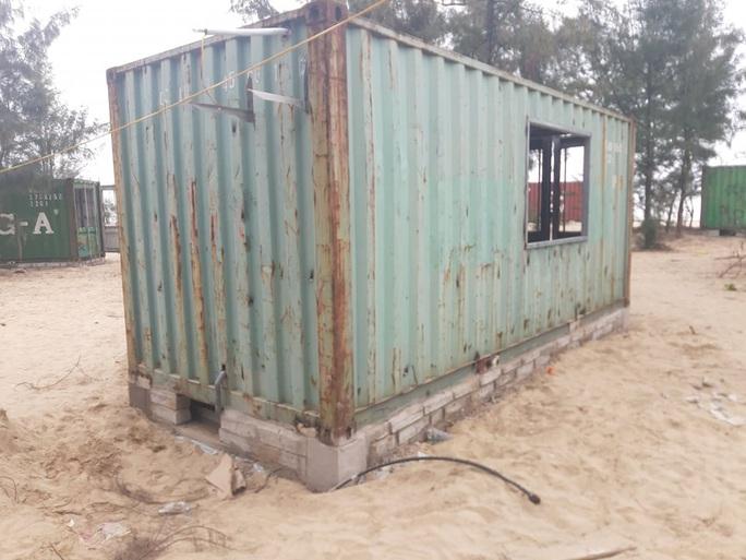 CLIP: Cận cảnh 130 nhà nghỉ bằng container xây dựng trái phép trong rừng phòng hộ - Ảnh 6.