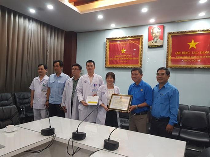 Động viên các y - bác sĩ tham gia phòng chống dịch bệnh Covid-19 - Ảnh 1.