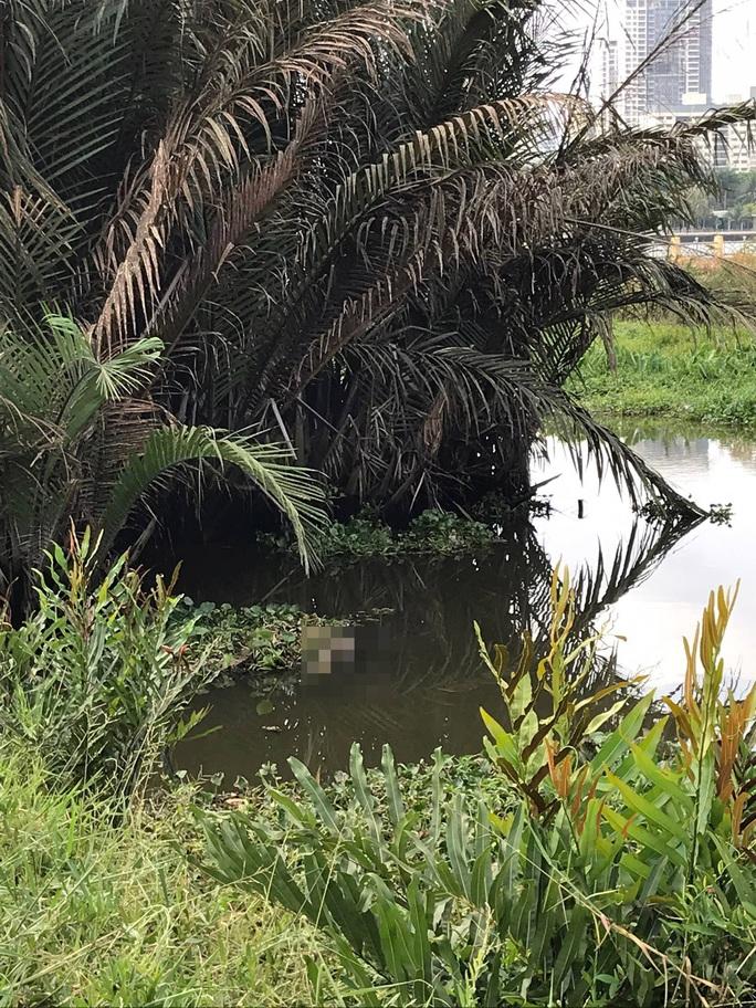 TP HCM: Phát hiện 2 thi thể trôi dạt trên sông Sài Gòn - Ảnh 1.