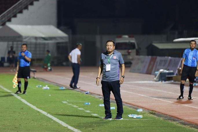 HLV Hoàng Văn Phúc từ chức ở Sài Gòn FC ngay trước vòng 2 V-League - Ảnh 1.