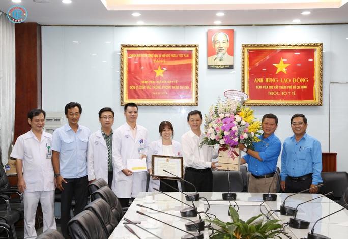 Bệnh viện Chợ Rẫy sẵn sàng hỗ trợ các khu công  nghiệp TP HCM chống dịch Covid-19 - Ảnh 1.