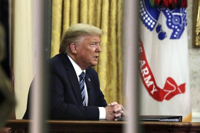 Covid-19: Một lời ông Trump nói ra, cả thế giới hỗn loạn - Ảnh 1.