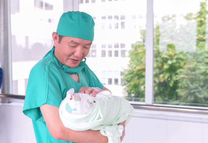Một giám đốc bệnh viện cách ly vì Covid-19 chia sẻ những ngày sống chậm hiếm hoi - Ảnh 1.