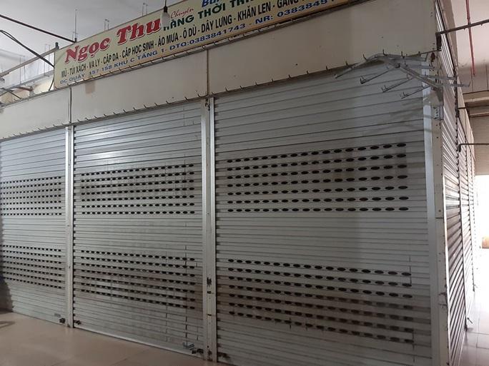 CLIP: Hơn 1.000 ki-ốt chợ Vinh đóng cửa vì dịch Covid-19 - Ảnh 4.