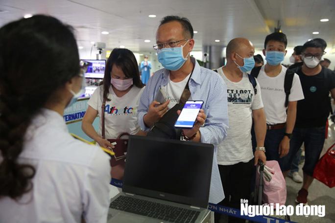 Tạm dừng cấp thị thực cho người nước ngoài nhập cảnh Việt Nam từ 0 giờ ngày 18-3 - Ảnh 1.