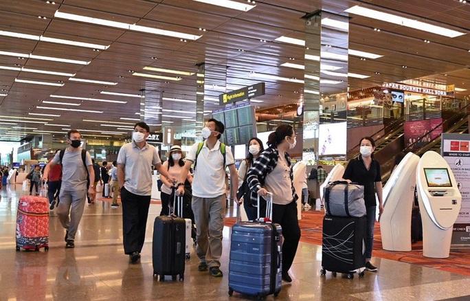 Singapore cách ly người nhập cảnh từ nhiều nước, trong đó có Việt Nam - Ảnh 1.