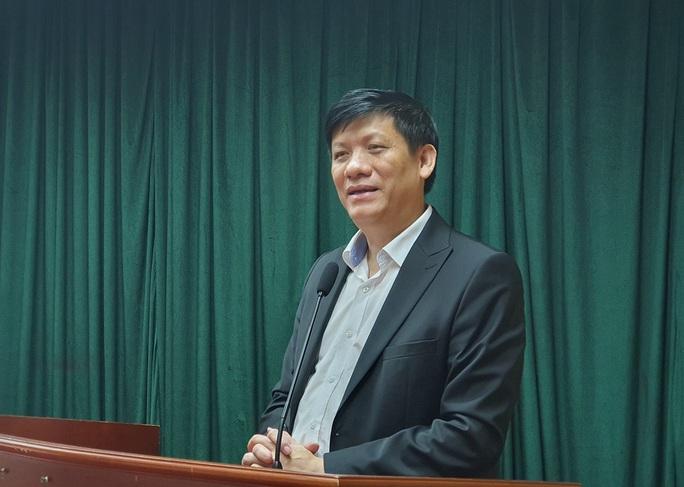 Giai đoạn 2, Việt Nam sẽ không khoanh vùng dịch Covid-19 như ở Sơn Lôi - Ảnh 1.