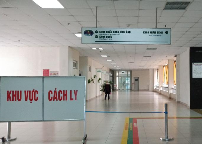 Thêm 5 ca Covid-19 mới, 2 người ở Hà Nội và 3 người tại TP HCM - Ảnh 2.