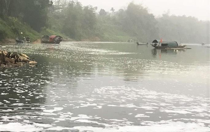 Cá chết hàng loạt bất thường trên sông Chu - Ảnh 5.