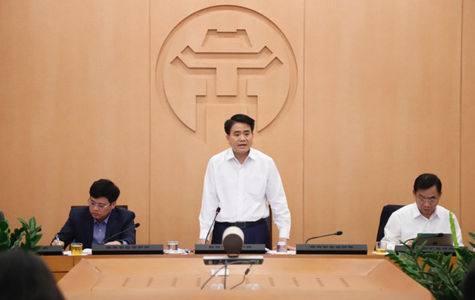 Chủ tịch Hà Nội: Đã có 2 bệnh nhân âm tính chuyển thành dương tính với Covid-19 - Ảnh 1.