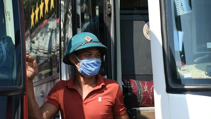 Bà Rịa-Vũng Tàu: Đo thân nhiệt, đeo khẩu trang khi tới các điểm công cộng - Ảnh 5.