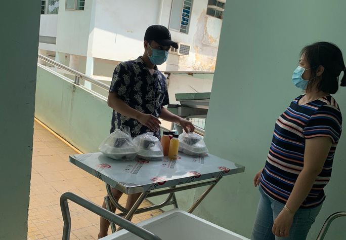 Fresh Saigon tặng nước ép nguyên chất cho người cách ly - Ảnh 3.