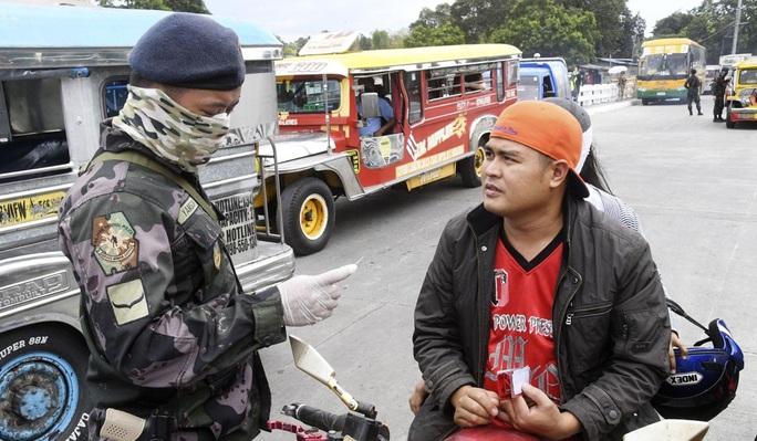 Covid-19: Thành phố ma ở Philippines - Ảnh 4.