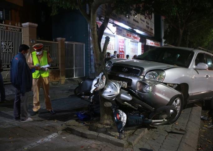 Kẻ điều khiển ôtô leo lề tông 3 xe máy bị bắt với 3 tội danh - Ảnh 3.
