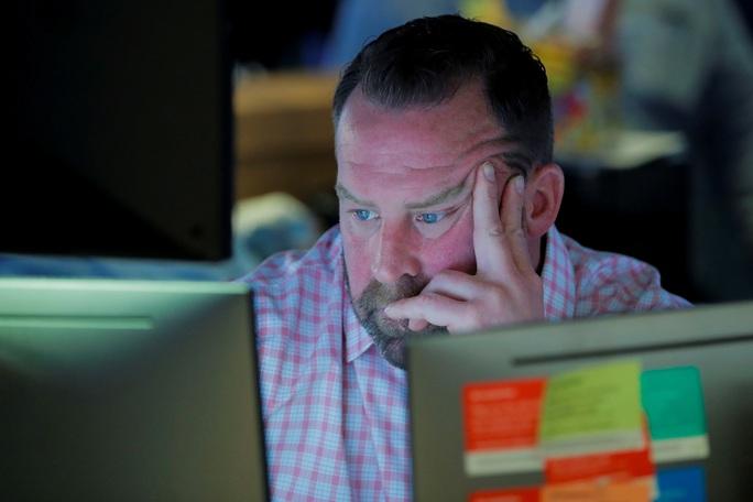 Covid-19: Thị trường tài chính Mỹ tệ nhất trong 30 năm, hàng ngàn tỉ USD bốc hơi - Ảnh 1.