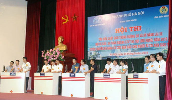Hà Nội: Nâng cao ý thức chấp hành luật giao thông trong CNVC-LĐ - Ảnh 1.