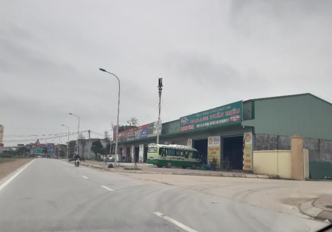 CLIP: Cả khu phố kinh doanh sầm uất giữa trung tâm TP Vinh xây dựng không phép - Ảnh 9.
