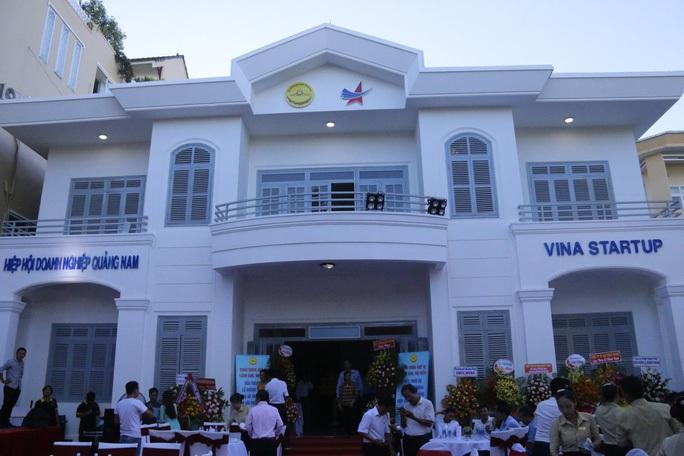Doanh nghiệp Quảng Nam góp 2,5 tỉ đồng chống dịch Covid-19 - Ảnh 1.