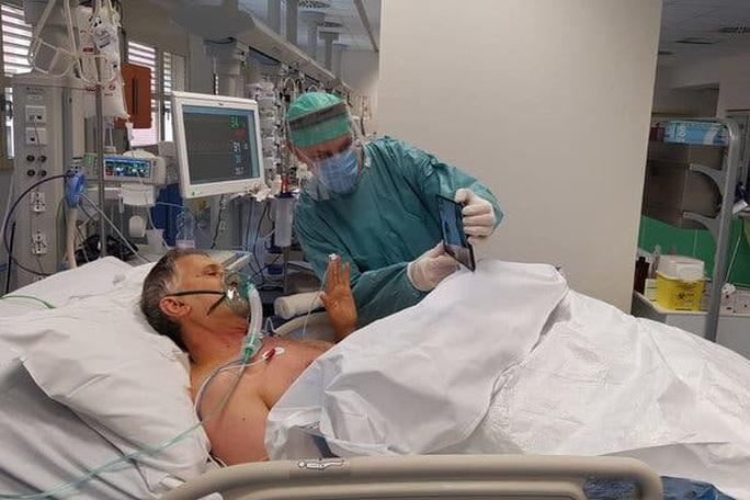 Covid-19: Ý đề xuất không chăm sóc đặc biệt cho bệnh nhân trên 80 tuổi - Ảnh 6.