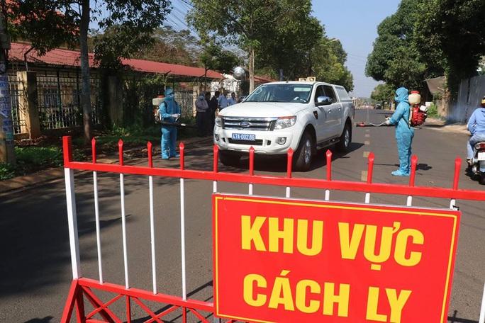 Covid-19: Cách ly 2 nữ sinh viên sau khi dự đám cưới ở Ninh Thuận - Ảnh 2.
