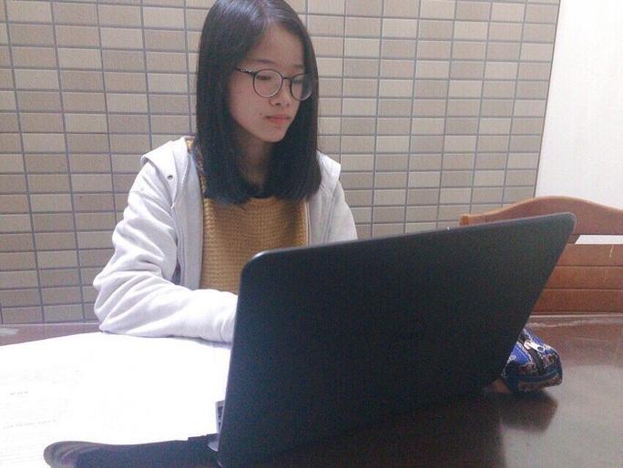 Các trường tư thục Hà Nội được phép thu phí học online mùa dịch Covid-19 - Ảnh 1.