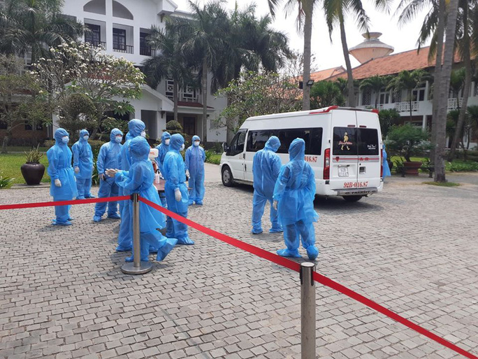 Quảng Nam xét nghiệm thêm 3 người về từ Bệnh viện Bạch Mai - Ảnh 1.