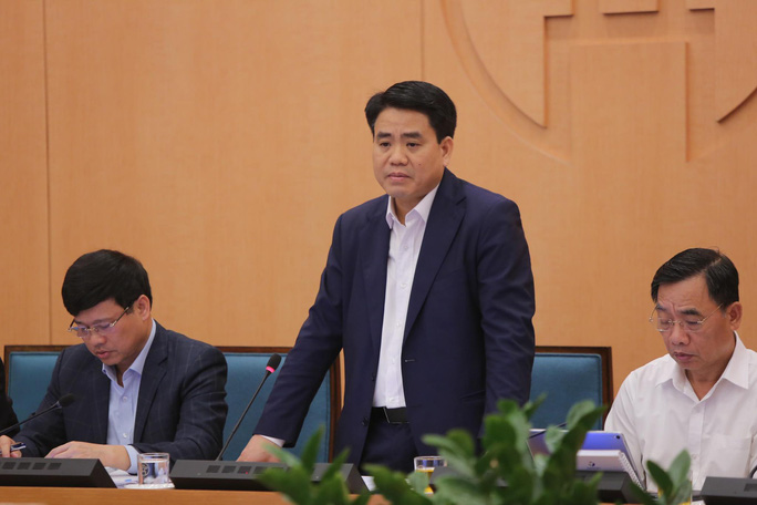 Chủ tịch Hà Nội: Đang có từ 6 đến 8 ca xét nghiệm dương tính Covid-19 lần 1 trên địa bàn - Ảnh 1.
