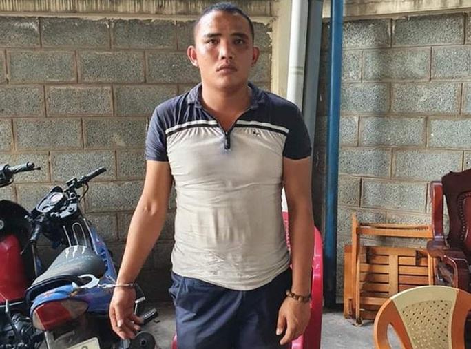 Phẫn nộ trước hình ảnh cô gái trẻ bị gã chủ tra tấn dã man ở TP Biên Hòa - Ảnh 1.