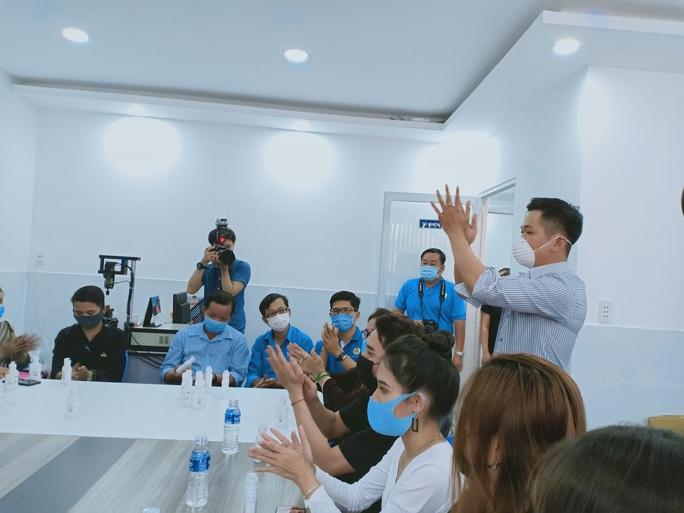 Giúp công nhân chống dịch bệnh Covid-19 - Ảnh 3.