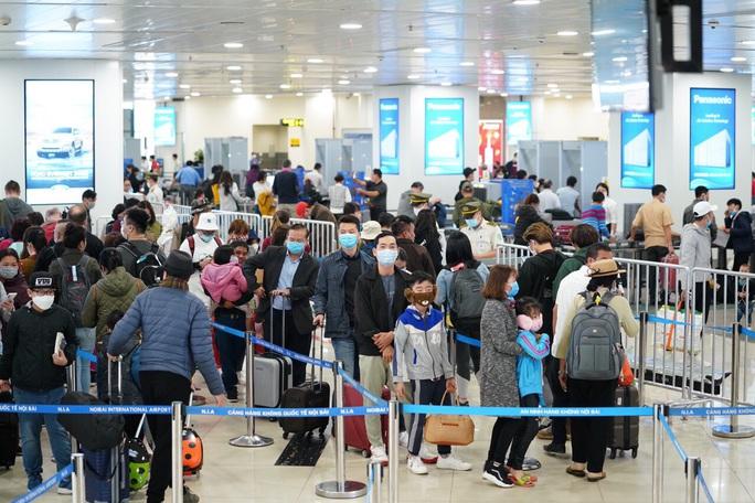 Người Việt Nam ở nước ngoài nên cân nhắc kỹ lưỡng việc trở về nước - Ảnh 1.