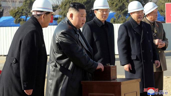 Covid-19: Hàn Quốc tranh cãi chuyện phát tiền cho dân - Ảnh 2.