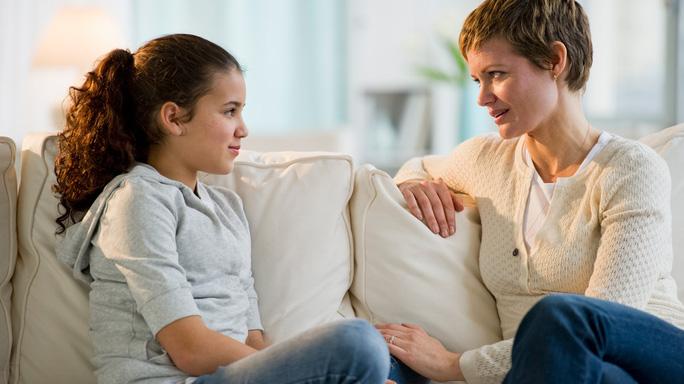 WHO khuyến cáo 5 điều bạn nên làm cho trẻ em mùa dịch Covid-19 - Ảnh 1.