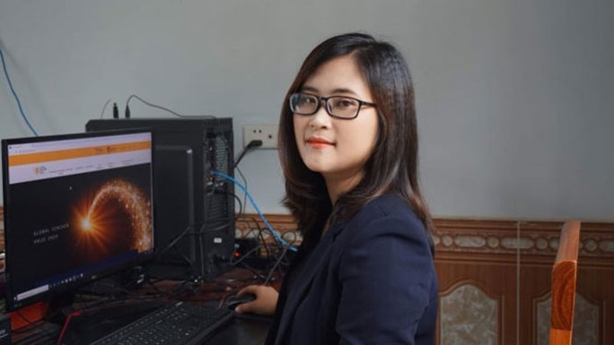Bộ trưởng Bộ GD-ÐT chúc mừng cô giáo vào top 50 giáo viên toàn cầu - Ảnh 1.