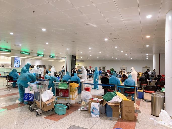 280 bác sĩ, y tá về hưu và 700 sinh viên y tình nguyện đi chống dịch Covid-19 - Ảnh 6.