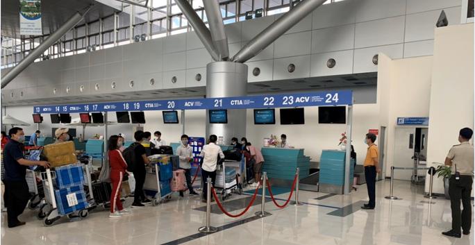 Tạm dừng bay Nga, Đài Loan, tiếp tục bay sang Anh, Đức - Ảnh 1.