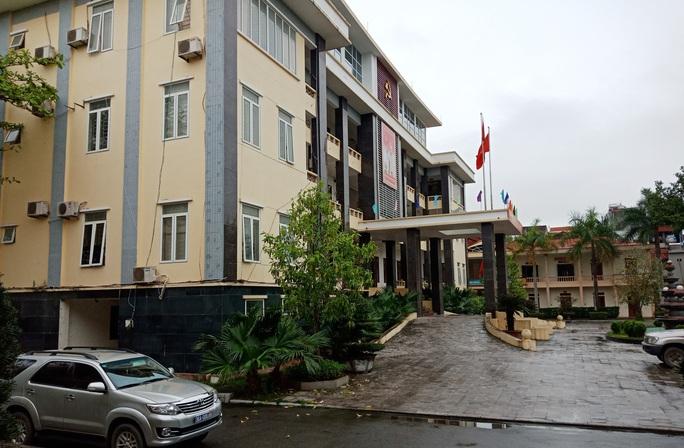 Sai phạm chi ngân sách tới 52 tỉ đồng, nguyên bí thư, chủ tịch huyện ở Thanh Hóa bị cách chức - Ảnh 1.