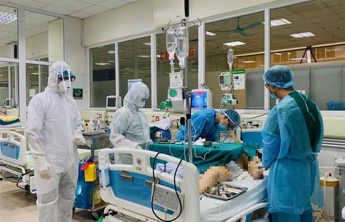Nhiều bệnh nhân Covid-19 nặng, Bộ Y tế thành lập tổ hội chẩn chuyên môn - Ảnh 1.
