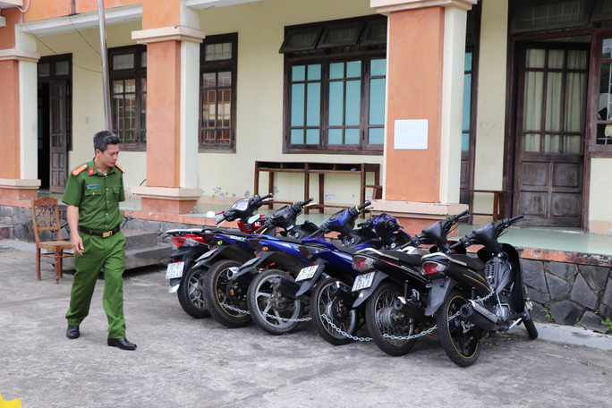 Thanh niên trộm SH và nhiều xe máy tại bệnh viện Quảng Nam - Ảnh 2.