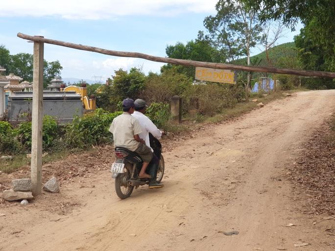 Người dân dừng chặn xe, rác thải ở Quảng Nam được giải phóng - Ảnh 1.