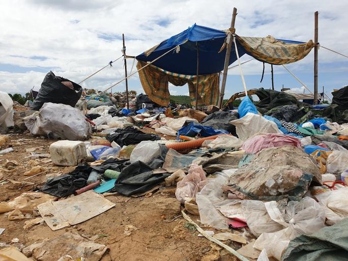 Người dân dừng chặn xe, rác thải ở Quảng Nam được giải phóng - Ảnh 3.
