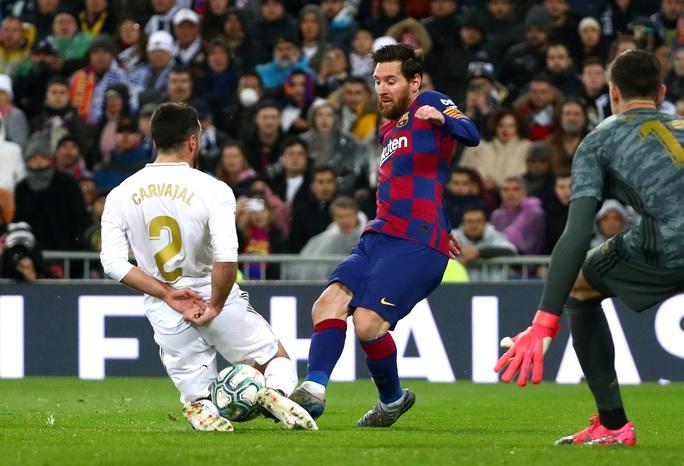 Rực lửa siêu kinh điển, Real Madrid hạ Barcelona lên ngôi đầu - Ảnh 7.