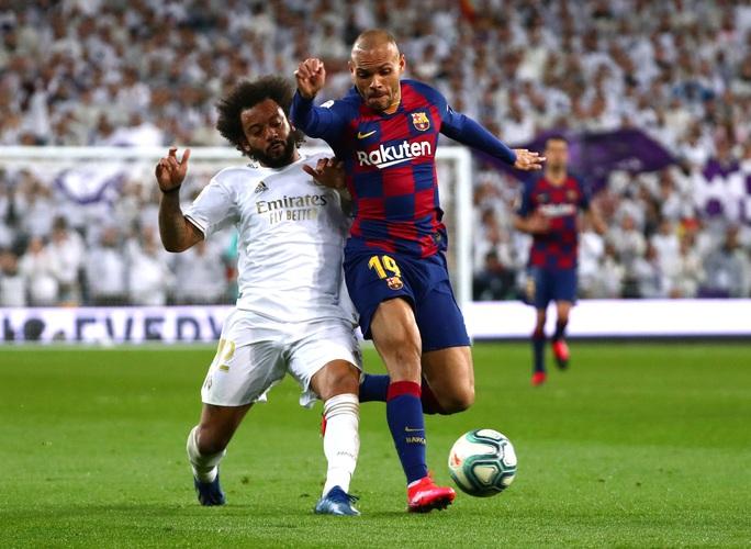 Rực lửa siêu kinh điển, Real Madrid hạ Barcelona lên ngôi đầu - Ảnh 8.