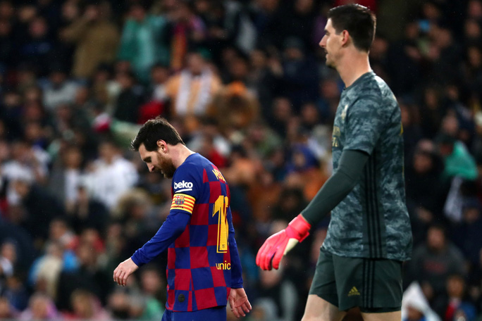 Rực lửa siêu kinh điển, Real Madrid hạ Barcelona lên ngôi đầu - Ảnh 9.