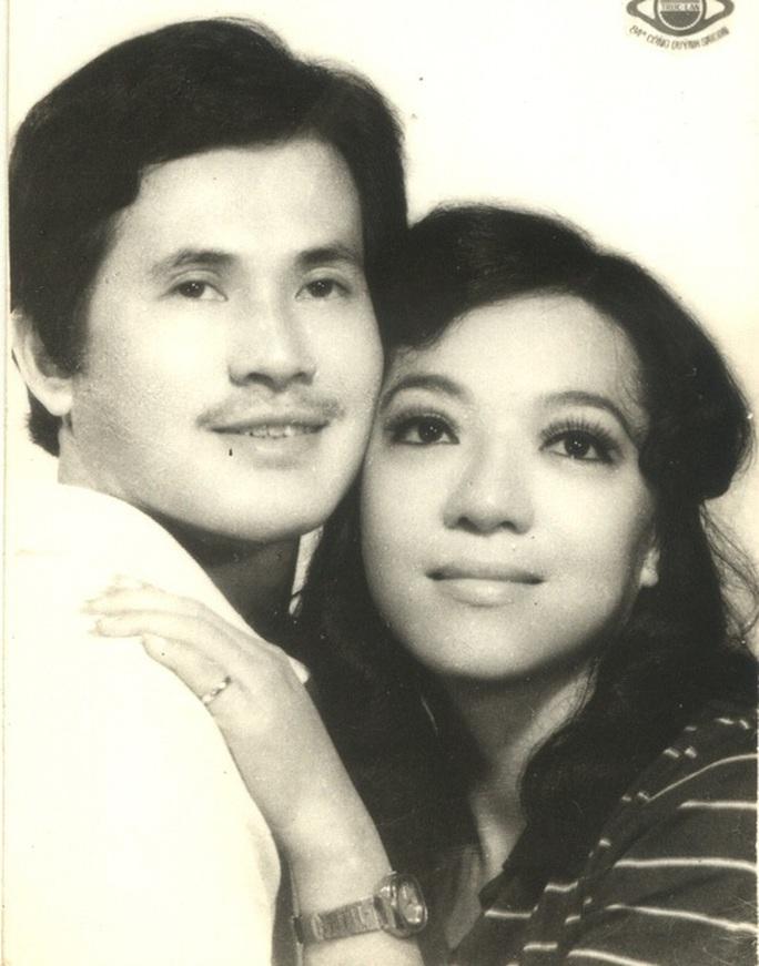 NS Hoài Thanh, Đỗ Quyên xúc động khi con trai nối nghiệp sau thời gian làm ca sĩ - Ảnh 2.