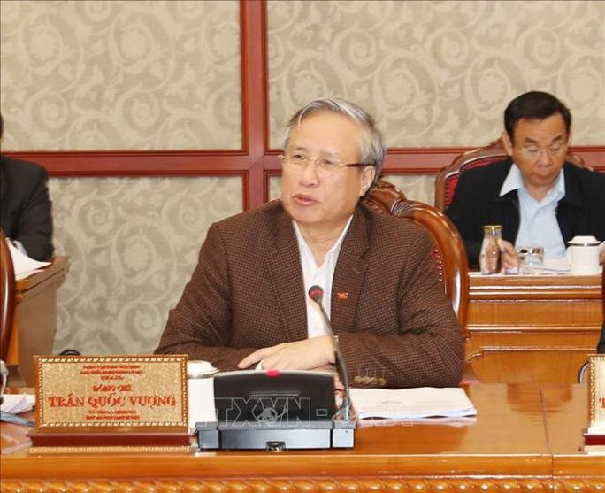 Tổng Bí thư, Chủ tịch nước chủ trì họp Bộ Chính trị về công tác phòng, chống dịch Covid-19 - Ảnh 6.